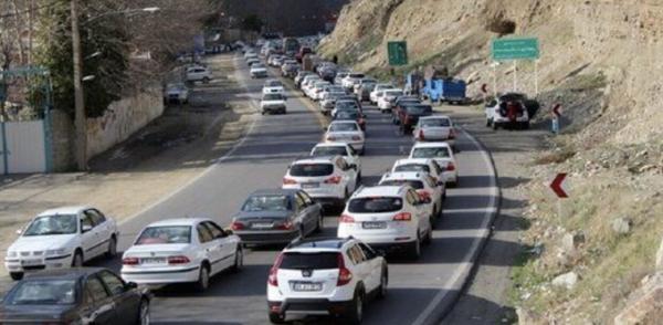 خبرنگاران ترافیک سنگین جاده کرج - چالوس را یک طرفه کرد